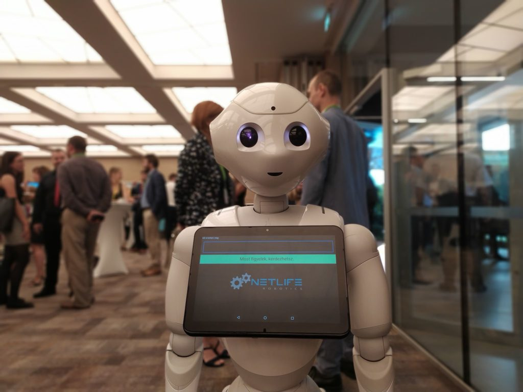 Pepper robot participate in a professional conference